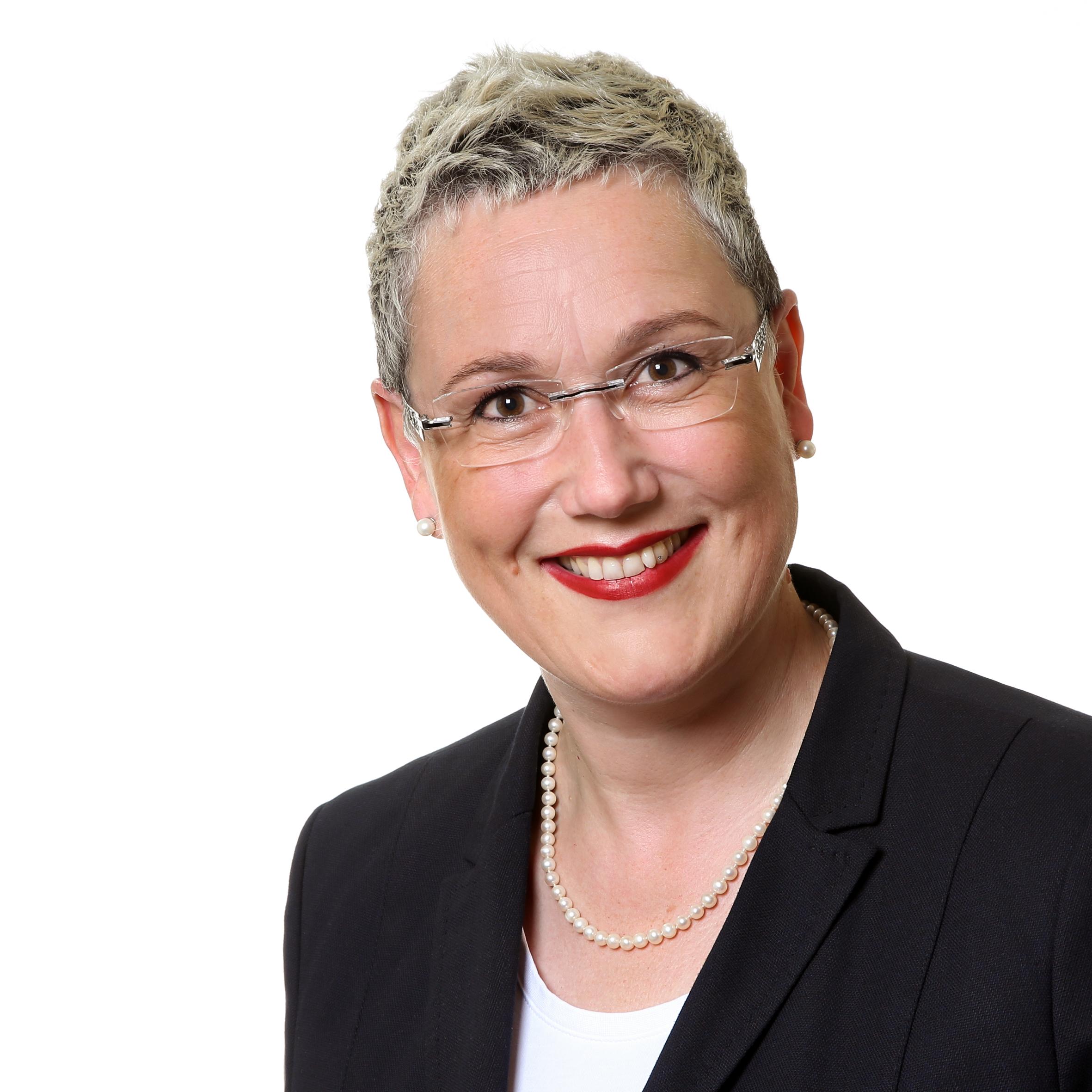 Katrin R. Feldner - MaY TEAM